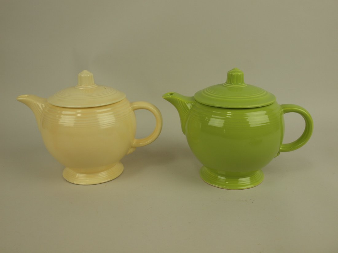 Fiesta medium teapot group: ivory & chartreuse (nicks)