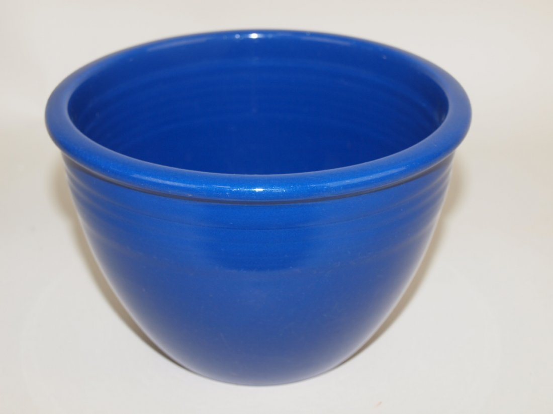Fiesta #2 mixing bowl, cobalt, inside rings, nick