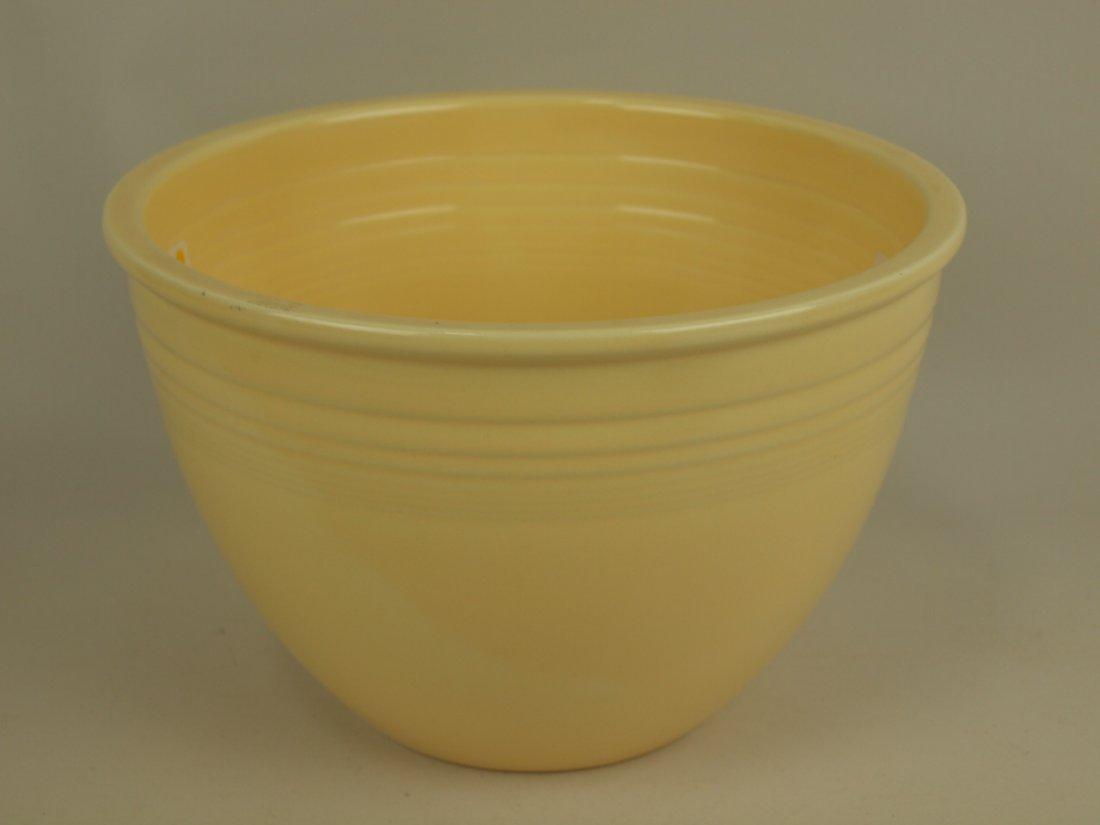 Fiesta #5 mixing bowl, ivory, nick