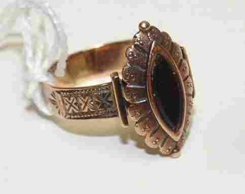 10kt yg antique victorian black onyx ring, size 7, 2.0
