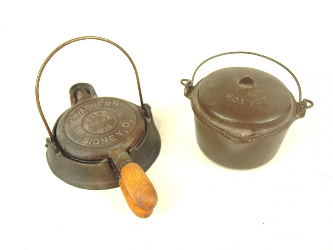 Wagner cast iron miniature waffle iron #1910 and hot