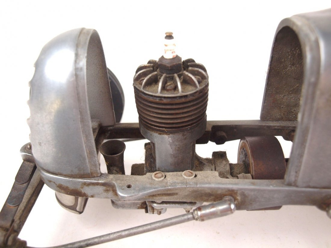 "RARE Bremer Whirlwind Tether race car engine, 17 1/2"" - 6"