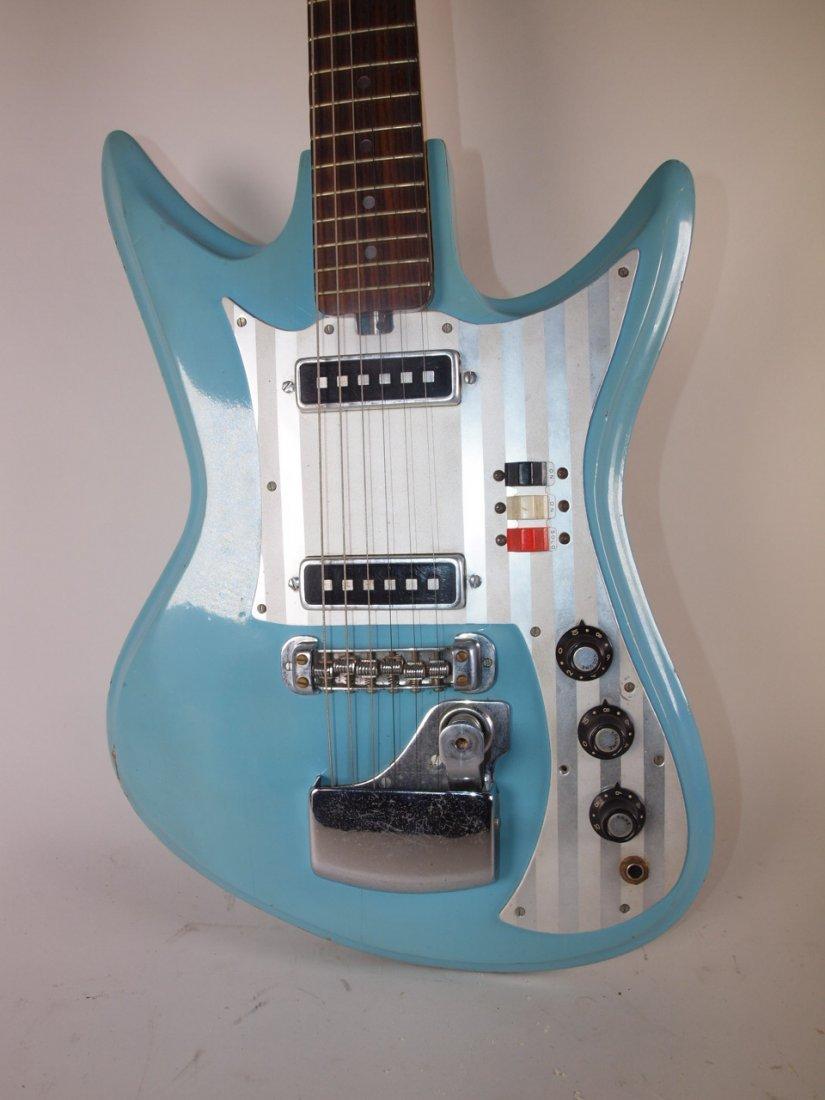 Silvertone vintage turquoise blue electric guitar - 3