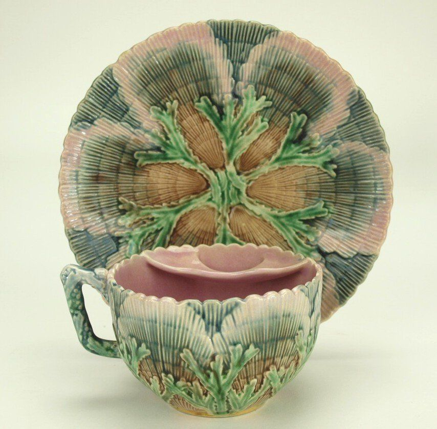 Etruscan majolica shell & seaweed mustache cup/saucer
