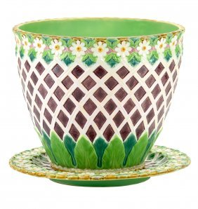 An Excellent Quality Minton Majolica 'Daisy and and