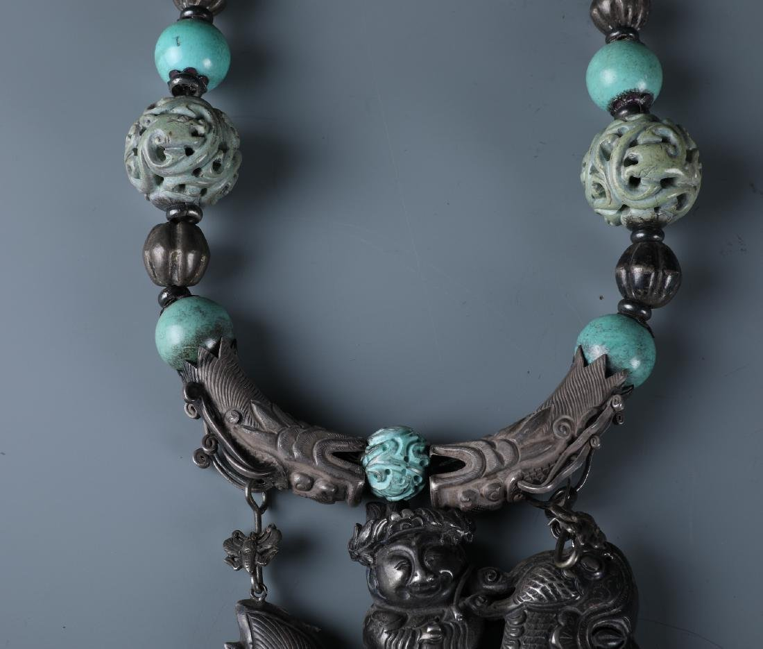 A SILVER AND CARVED TURQUOISE BEADS NECKLACE WITH QILIN - 3
