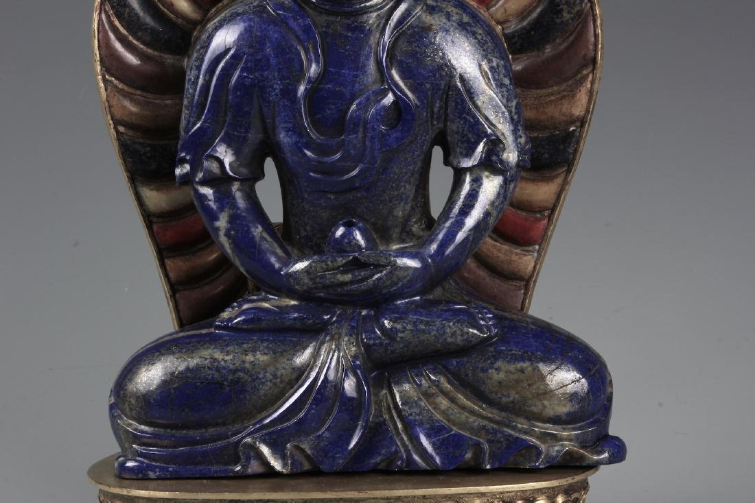 A CHINESE CARVED LAPIS FIGURE OF AMITAYUS WITH CINNABAR - 4