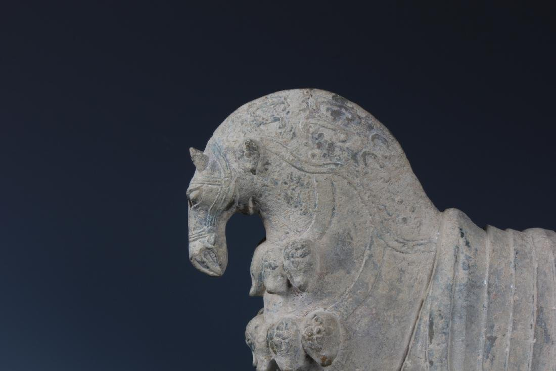 A FINELY CARVED CHINESE STONE FIGURE OF HORSE - 3