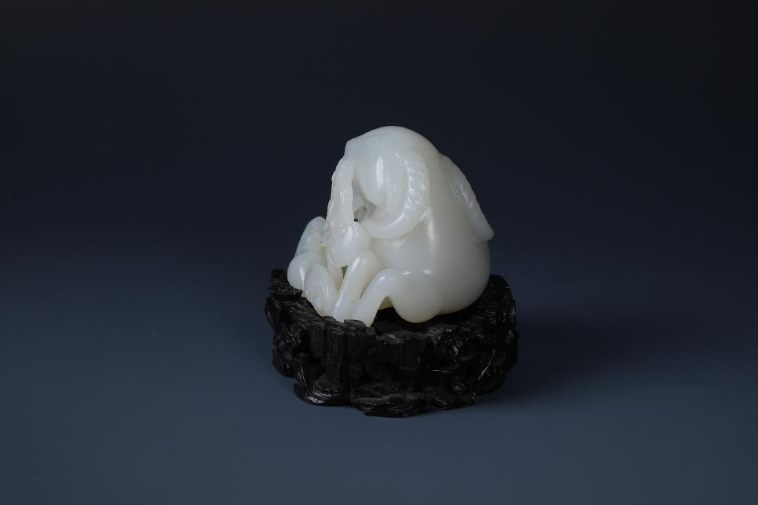 A FINELY CARVED CHINESE WHITE JADE GOAT - 3