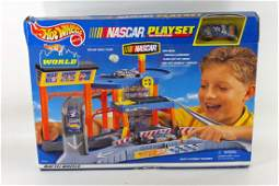 Hot Wheels Nascar Playset New in Box