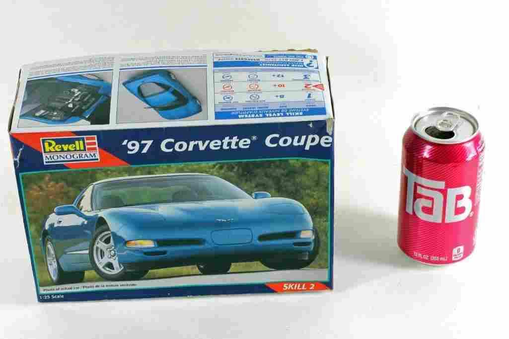 Revel Monogram Car Kit New in Package '97 Corvette