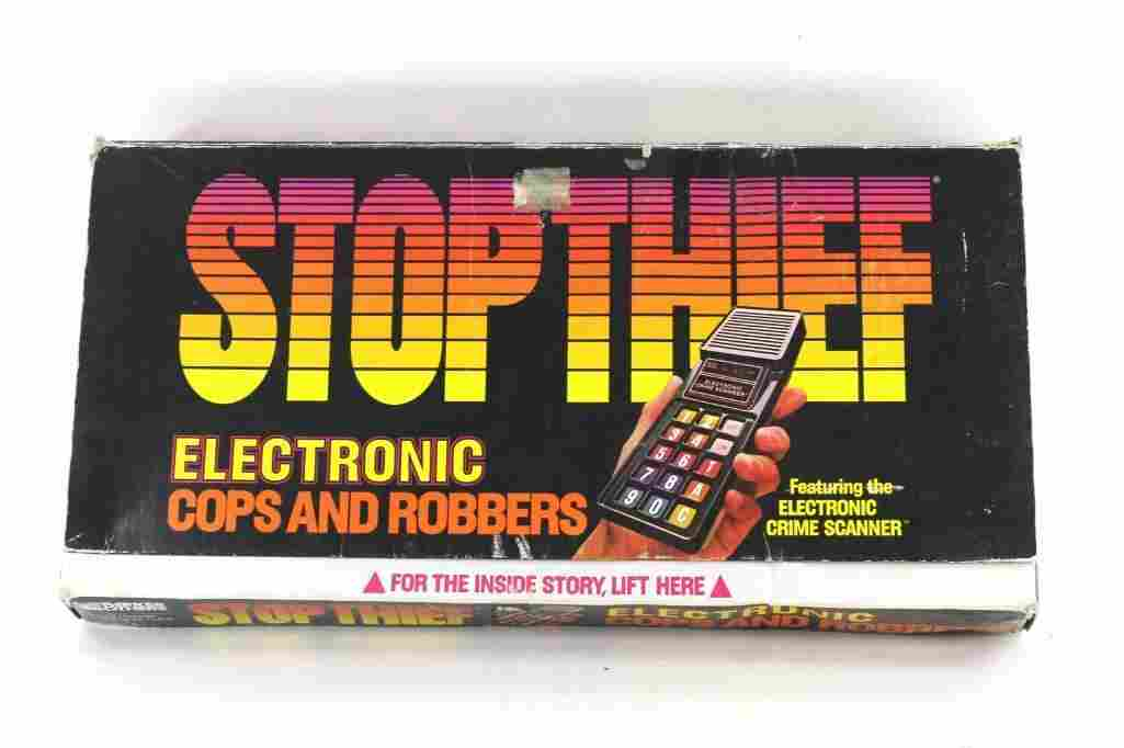 Stop Thief Electronic Cops and Robbers Board Game