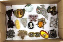 Lot of Vintage Costume Jewelry incl Rhinestone Brooches