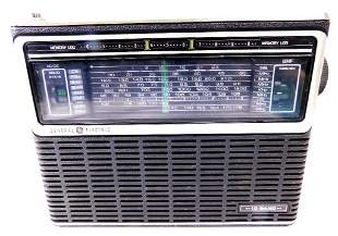 Vintage General Electric 10-Band Monitor Radio