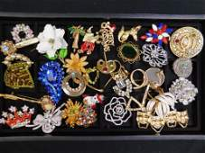 Lot of Costume Jewelry Brooches incl Vintage #17