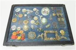 Vintage Costume Jewelry incl Brooches , Cameo, Etc