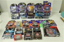 Lot of 30 Sealed Winners Circle Racing Champions