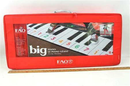 FAO Schwarz Big Piano Dance Mat in Original Case