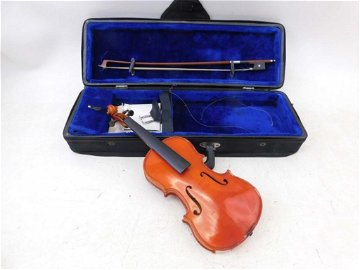 Small Violin with Case 1/8th Size