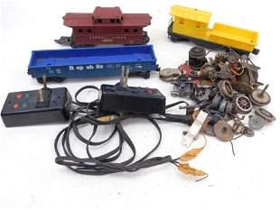 Lot incl 2 Switchers , 3 Lionel Train Cars , plus Spare