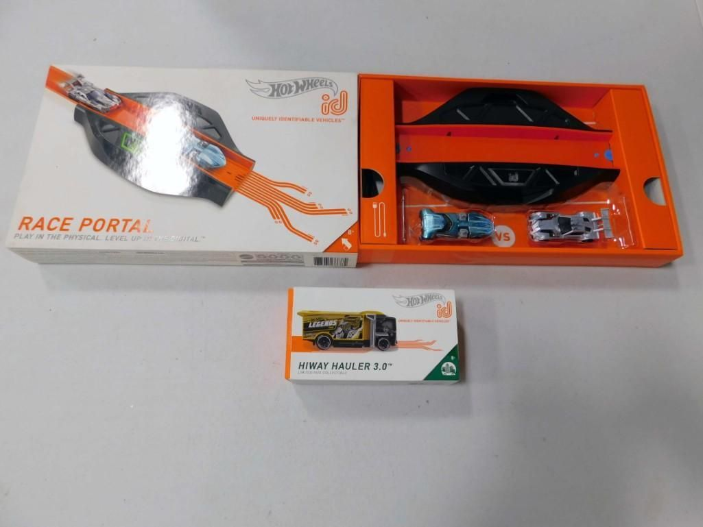 Hot Wheels ID Race Portal incl Portal and 2 ID Cars and