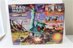 Vintage 1995 Hot Wheels Road Wars Liberty Base New in