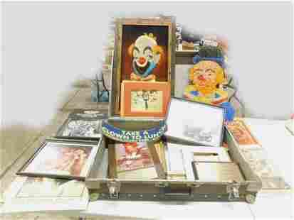 Clown Lot incl Clown Painting on Velvet , Popcorn