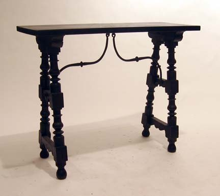 2022: Spanish side table, 19th century, The rectangular