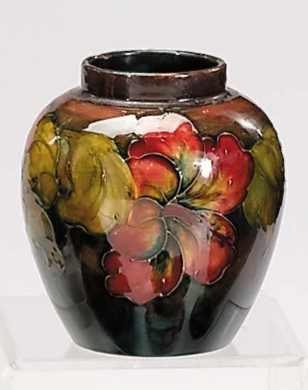 10656: Moorcroft flambe 'Hibiscus' ginger jar, , The li