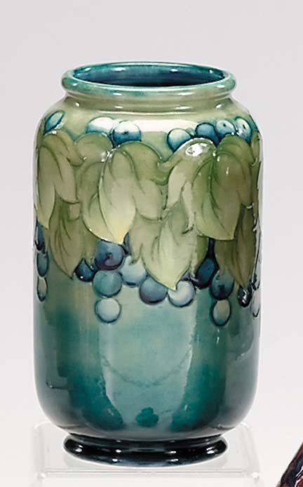10664: Moorcroft 'Leaf and Berry' vase, , The cylindric
