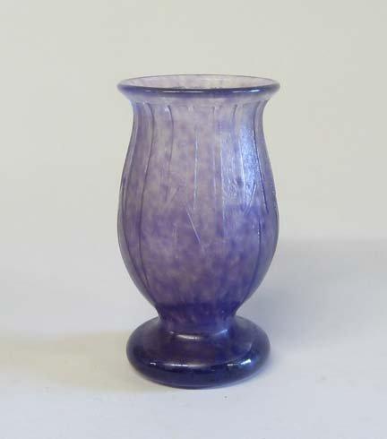 10667: Degue Art Deco glass vase, circa 1925, Of mottle