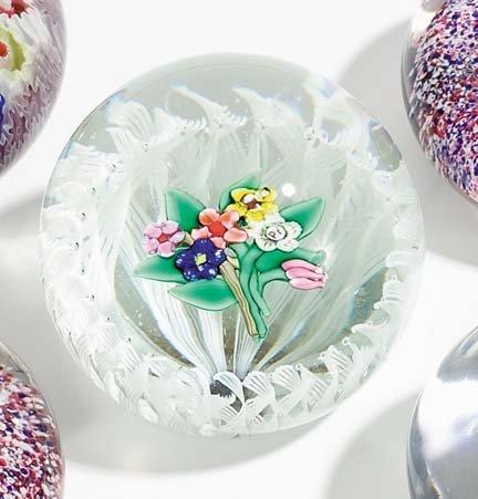 21509: Paul Ysart paperweight, , Floral bouquet on latt