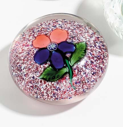 21515: Sandwich glass paperweight, 19th century, Pansy