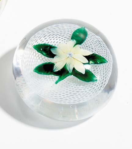 21522: New England Glass Co. paperweight, circa 1860, Y