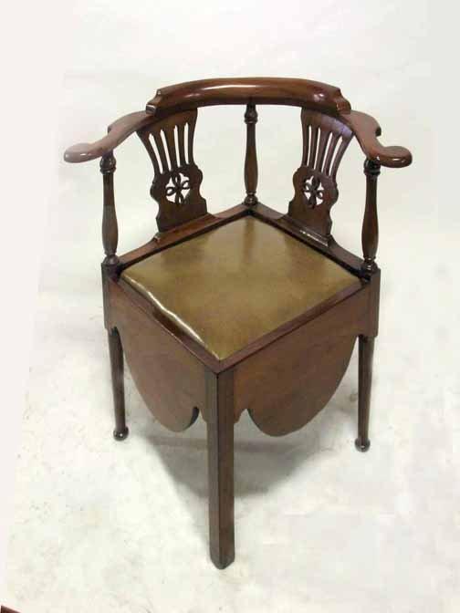 18: Chippendale mahogany corner chair, late 18th centur