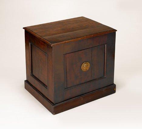 19: Mahogany medicine chest, circa 1800, With recessed