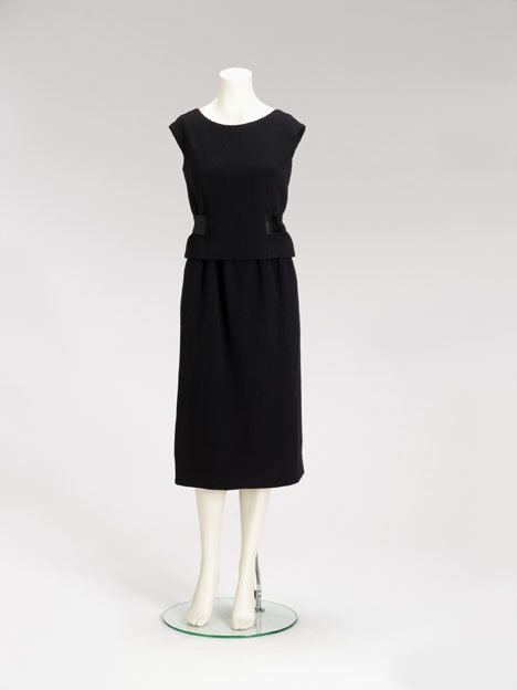 1004: Norman Norell black wool crepe skirt ensemble, 19