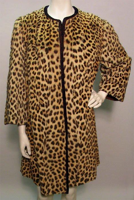 1006: Leopard fur coat, 1940s, Classic design with brac