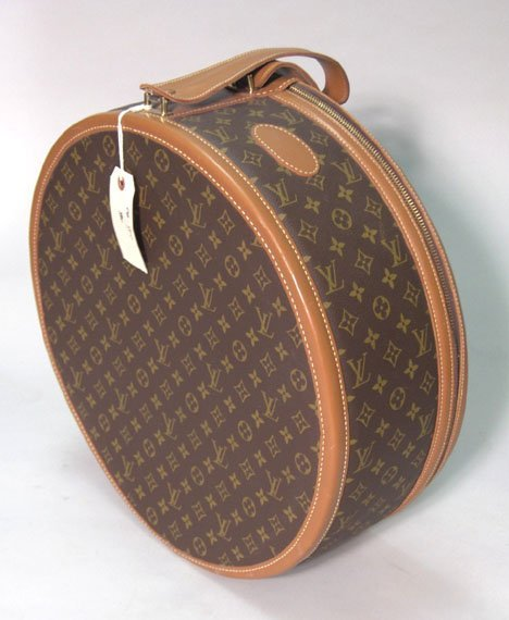 1311: Louis Vuitton round suitcase, 1980s, Zip-top with - 2