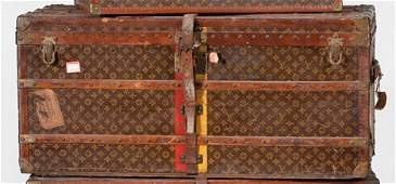 1318 Large Louis Vuitton steamer trunk 1950s Typical