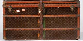 1319 Large Louis Vuitton steamer trunk 1950s Typical