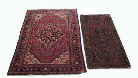 2761: Two rugs, , A Sarouk, West Persia, circa 1920, 4