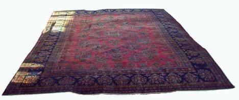 2771: Manchester Kashan carpet, central persia, circa 1
