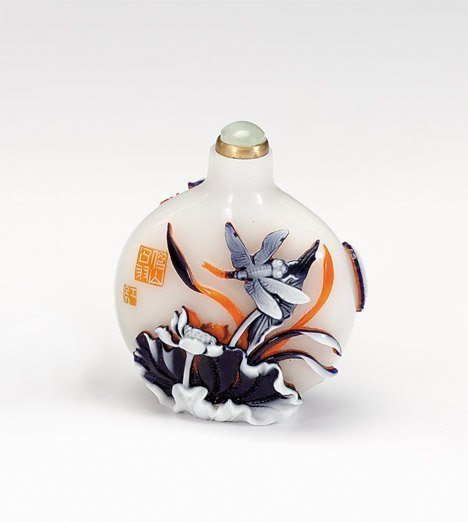 10940: Chinese Peking glass snuff bottle, 20th century,
