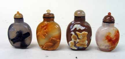10946: Four cameo agate snuff bottles, 20th century, In
