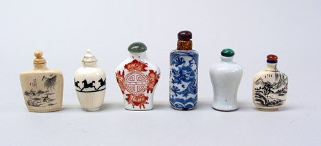 10951: Six Chinese snuff bottles, 20th century, Compris