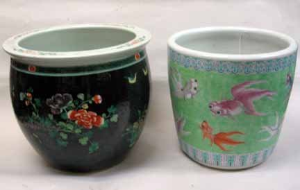 11143: Two Chinese fish bowls, 20th century, The famill