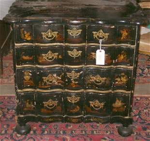 DUTCH JAPANNED SERPENTINE-FRONT COMMODE 18th / 19th