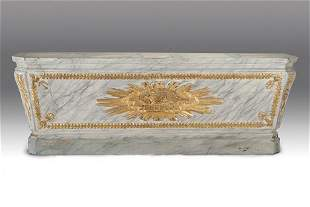 CONTINENTAL NEOCLASSICAL PAINTED & PARCEL-GILT SARC