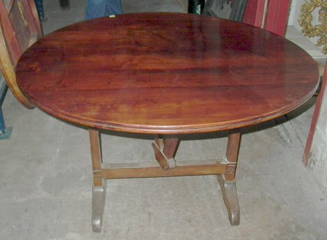 18: PROVINCIAL FRENCH FRUITWOOD TILT-TOP DINING TABLE E